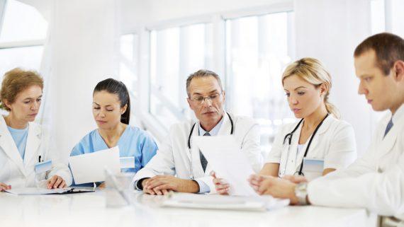 medic stomatolog specialist
